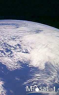 A felhőkkel borított Déli-óceán.