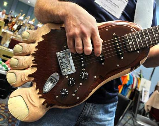 Óriásláb gitár