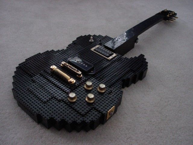 LEGO gitár