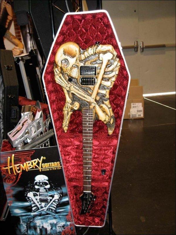 Csontváz gitár